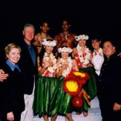 Hawaiian Artists Shows | Christmas in Hawaii