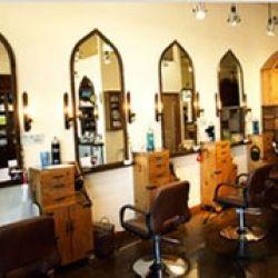 Alonsay Salon